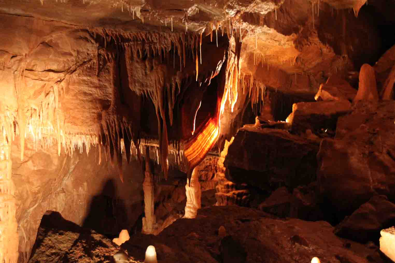 calcite formations in Mystic Caverns